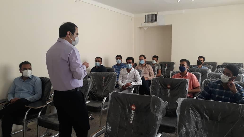 برگزاری جلسه توجیهی متقاضیان همکاری با موسسه آموزش عالی پیروزان جهت انجام پروژه های مشترک با شهرداری
